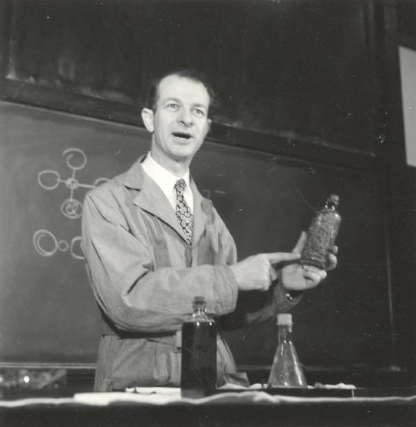 A photo of Linus Pauling delivering a lecture at the California Institute of Technology. Used by Permission of: Special Collections & Archives Research Center at Oregon State University.